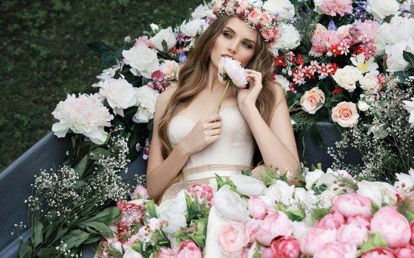 Women Model Models Woman Girl Brunette Flower Wreath HD Wallpaper | Background Image