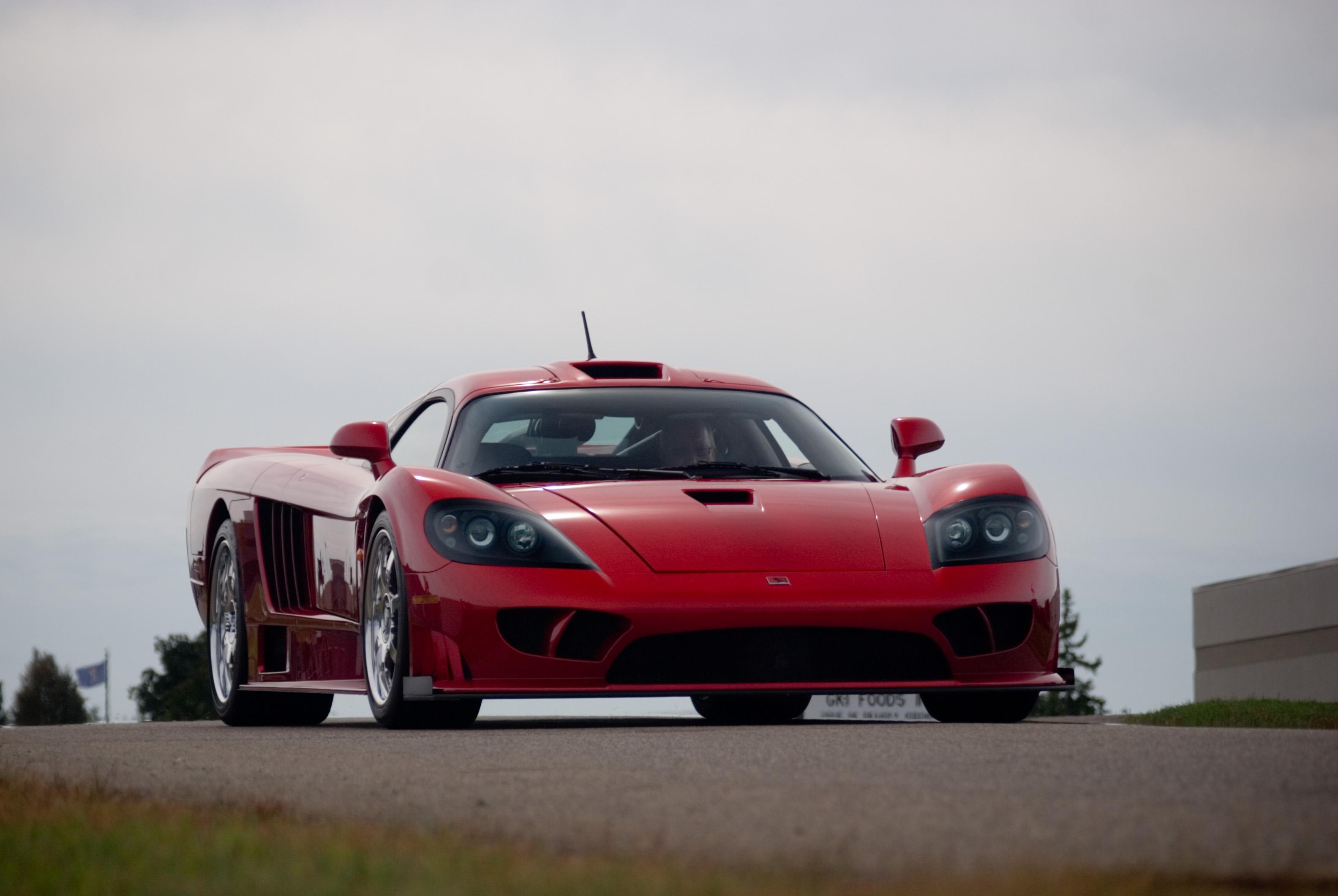 красный автомбиль Saleen S7 загрузить
