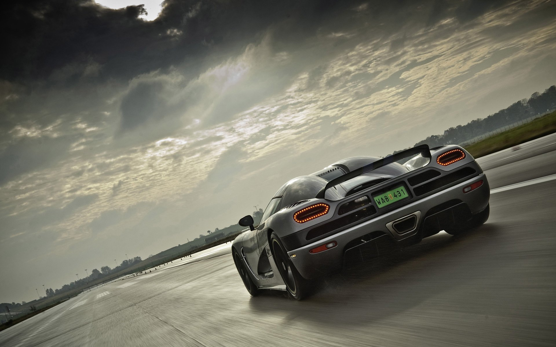 Vehicles - Koenigsegg Agera  Koenigsegg Sport Car Vehicle Car Wallpaper