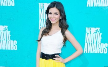 Celebrity - Victoria Justice Wallpapers and Backgrounds ID : 359843