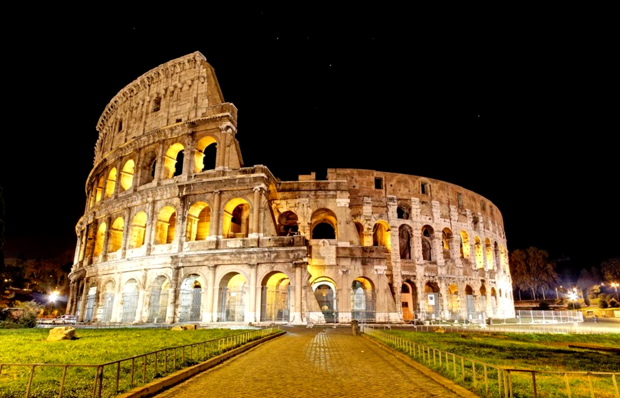 Wonderful Wallpaper Night Colosseum - 371393  HD.jpg
