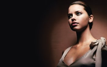 Celebrity - Adriana Lima Wallpapers and Backgrounds ID : 372158