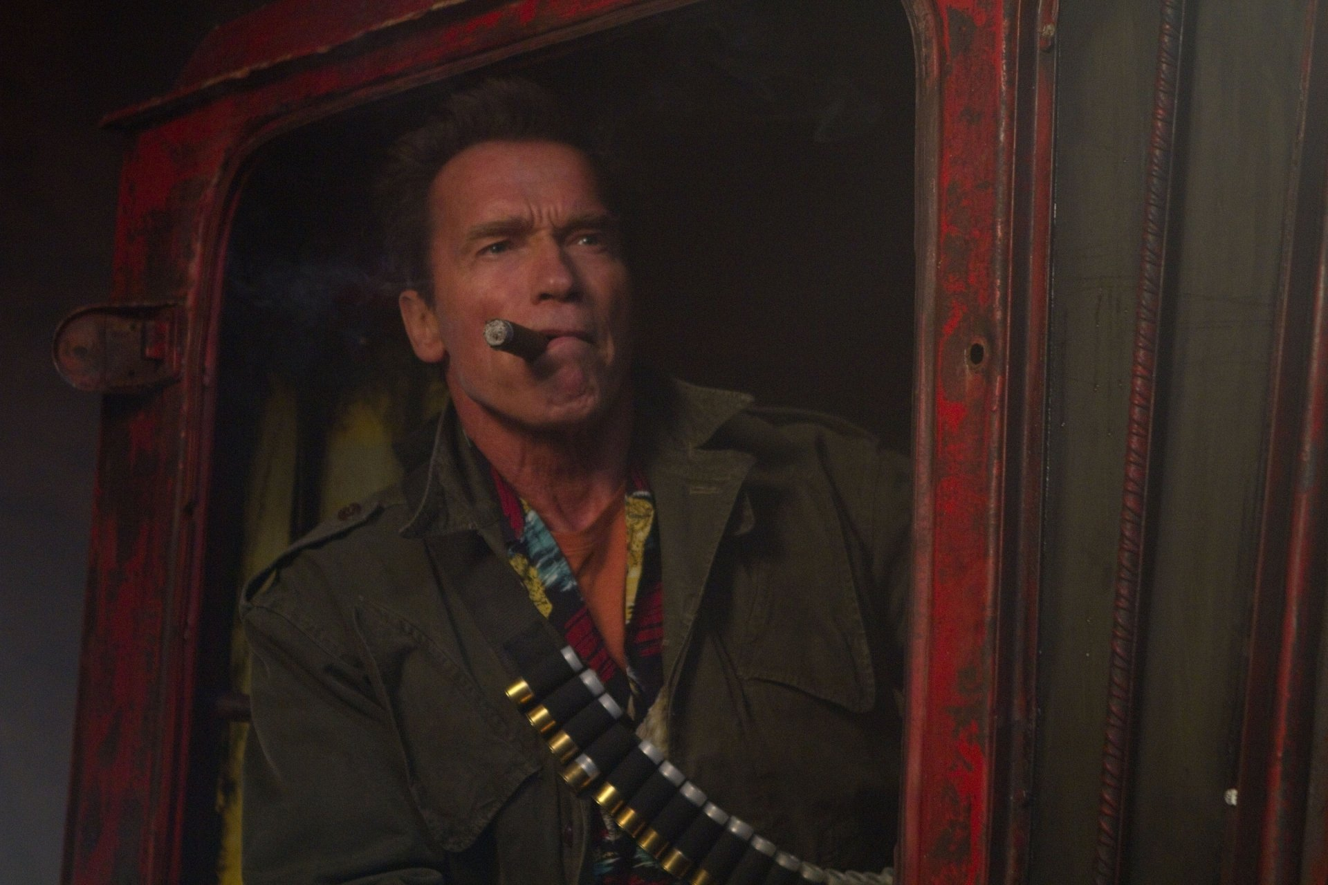 Movie - The Expendables 2  Trench (The Expendables) Arnold Schwarzenegger Wallpaper