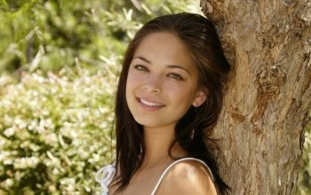 Celebrity - Kristin Kreuk Wallpapers and Backgrounds ID : 385121