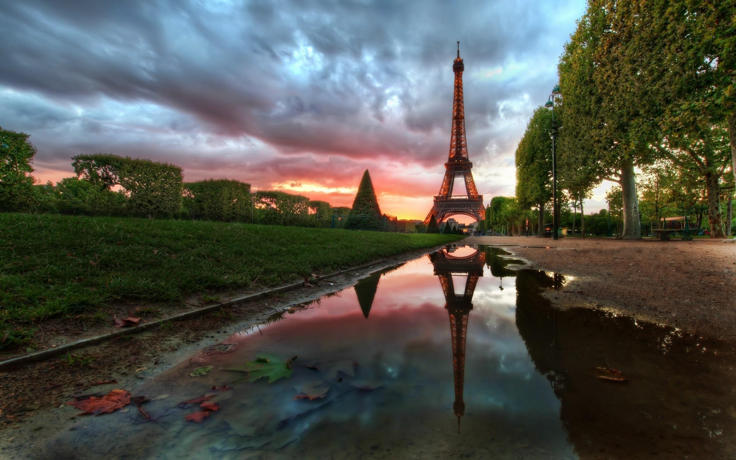 252 Eiffel Tower HD Wallpapers