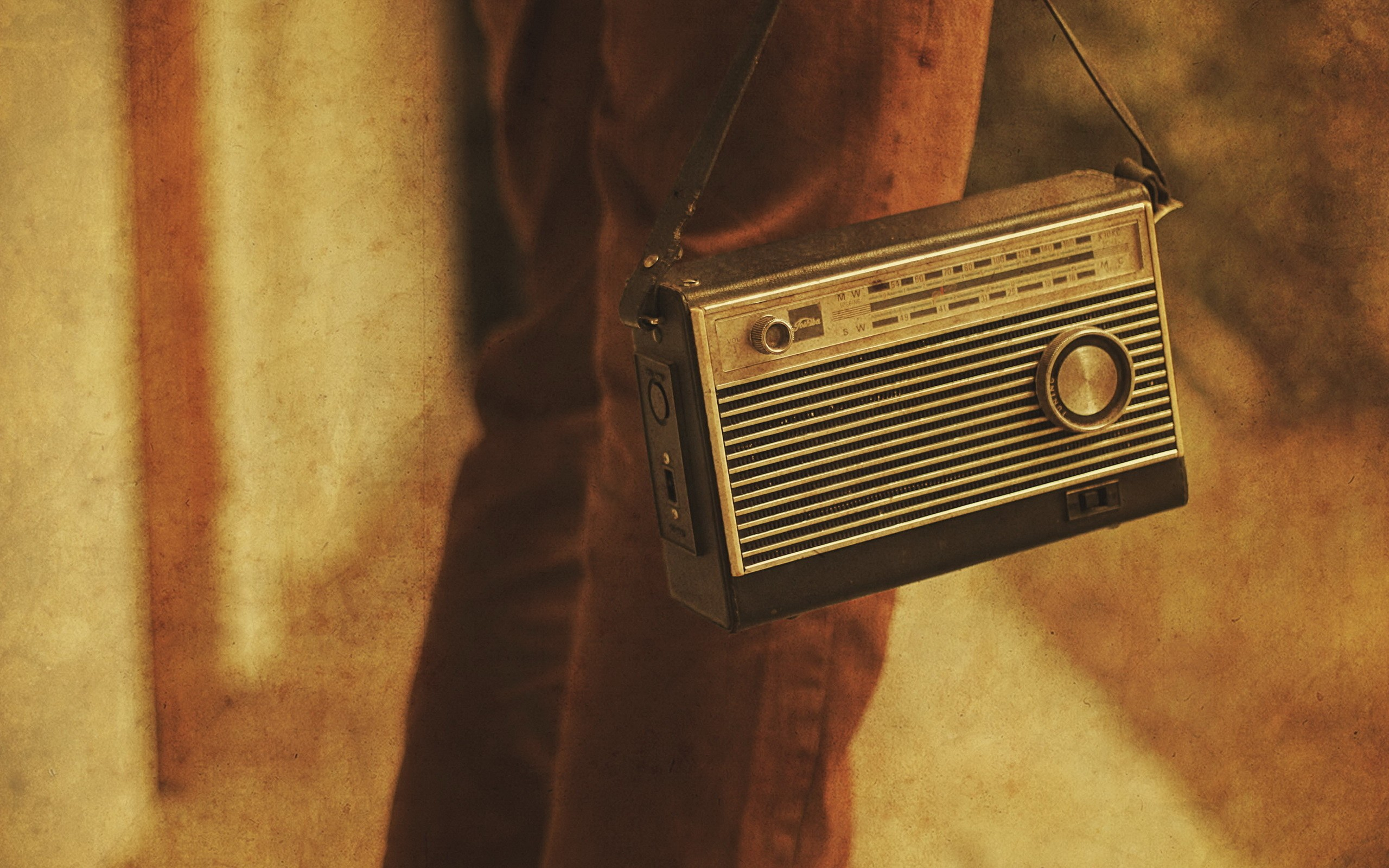 radio full hd wallpaper and background image 2560x1600