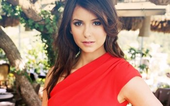 Berühmte Personen - Nina Dobrev Wallpapers and Backgrounds ID : 409006
