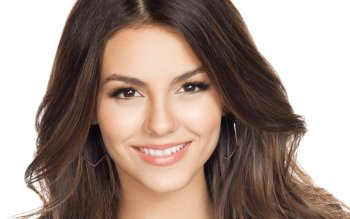 Celebrity - Victoria Justice Wallpapers and Backgrounds ID : 409476