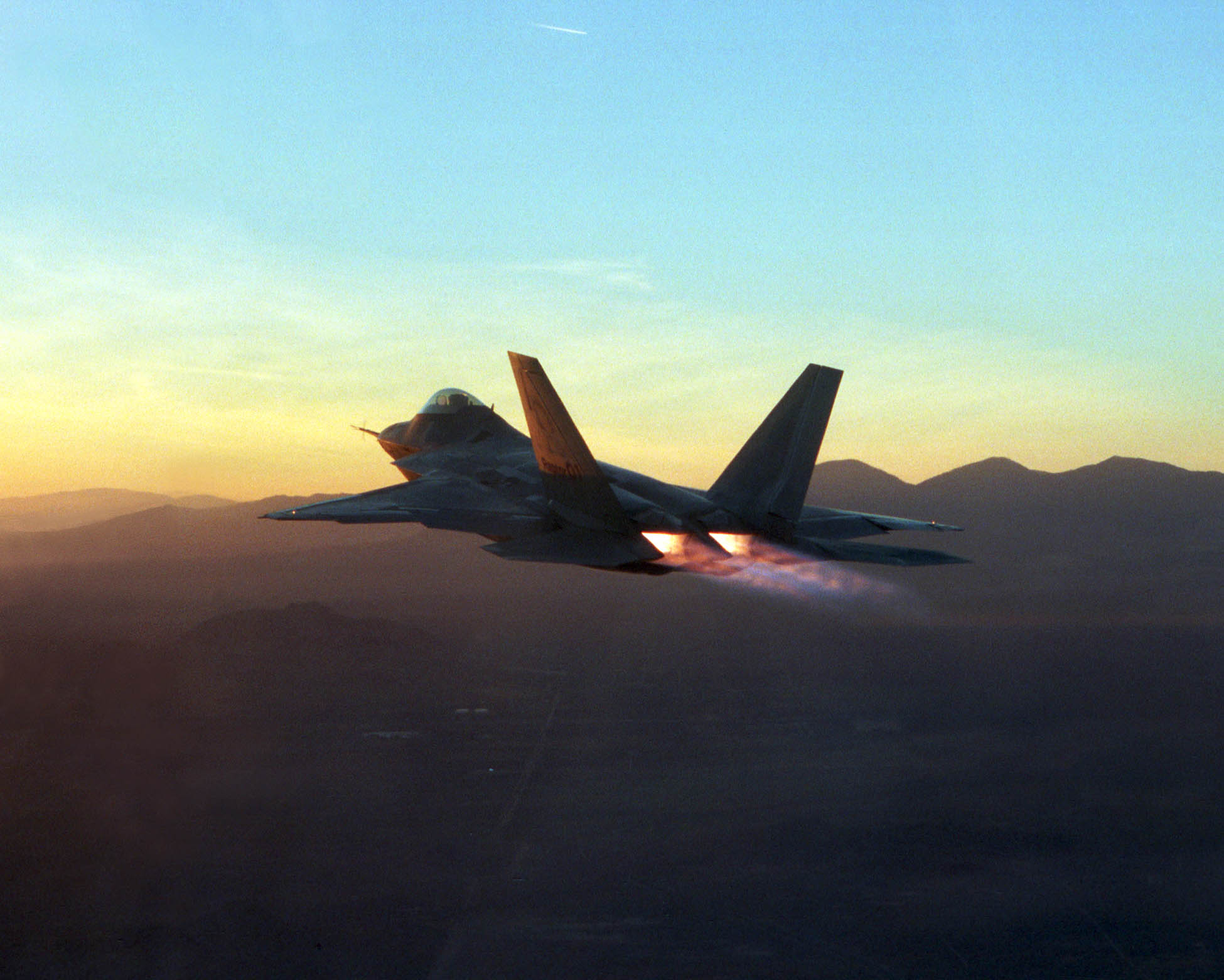 Lockheed Martin F-22 Raptor Computer Wallpapers, Desktop ...