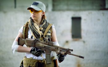 Women - Women & Guns Wallpapers and Backgrounds ID : 414030