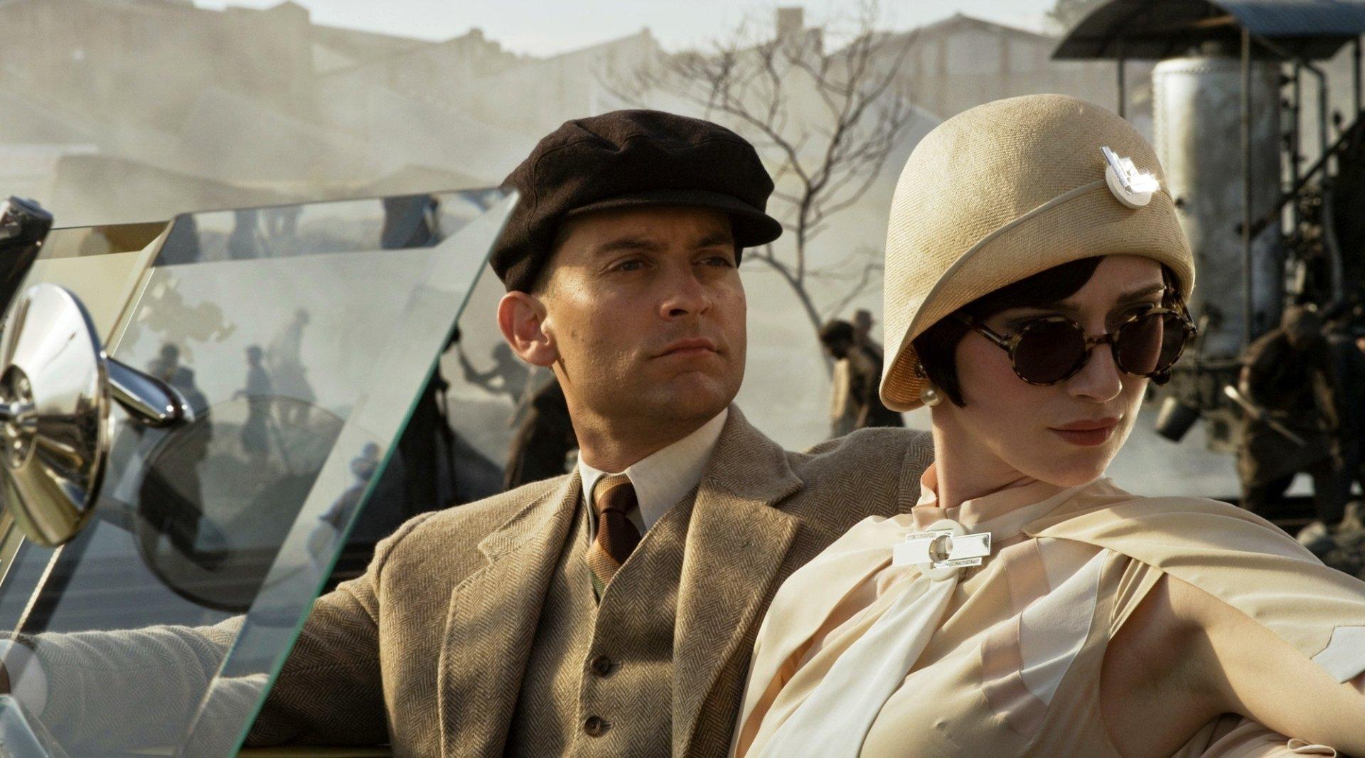 Movie - The Great Gatsby  Tobey Maguire Elizabeth Debicki Wallpaper