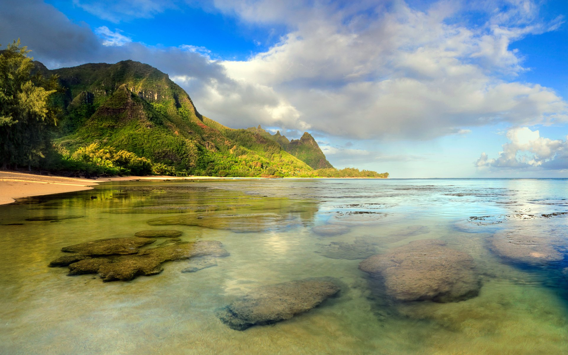 Earth - Coastline  Beach Ocean Hawaii Kauai Coast Water Tunnels Beach Seashore Rock Wallpaper