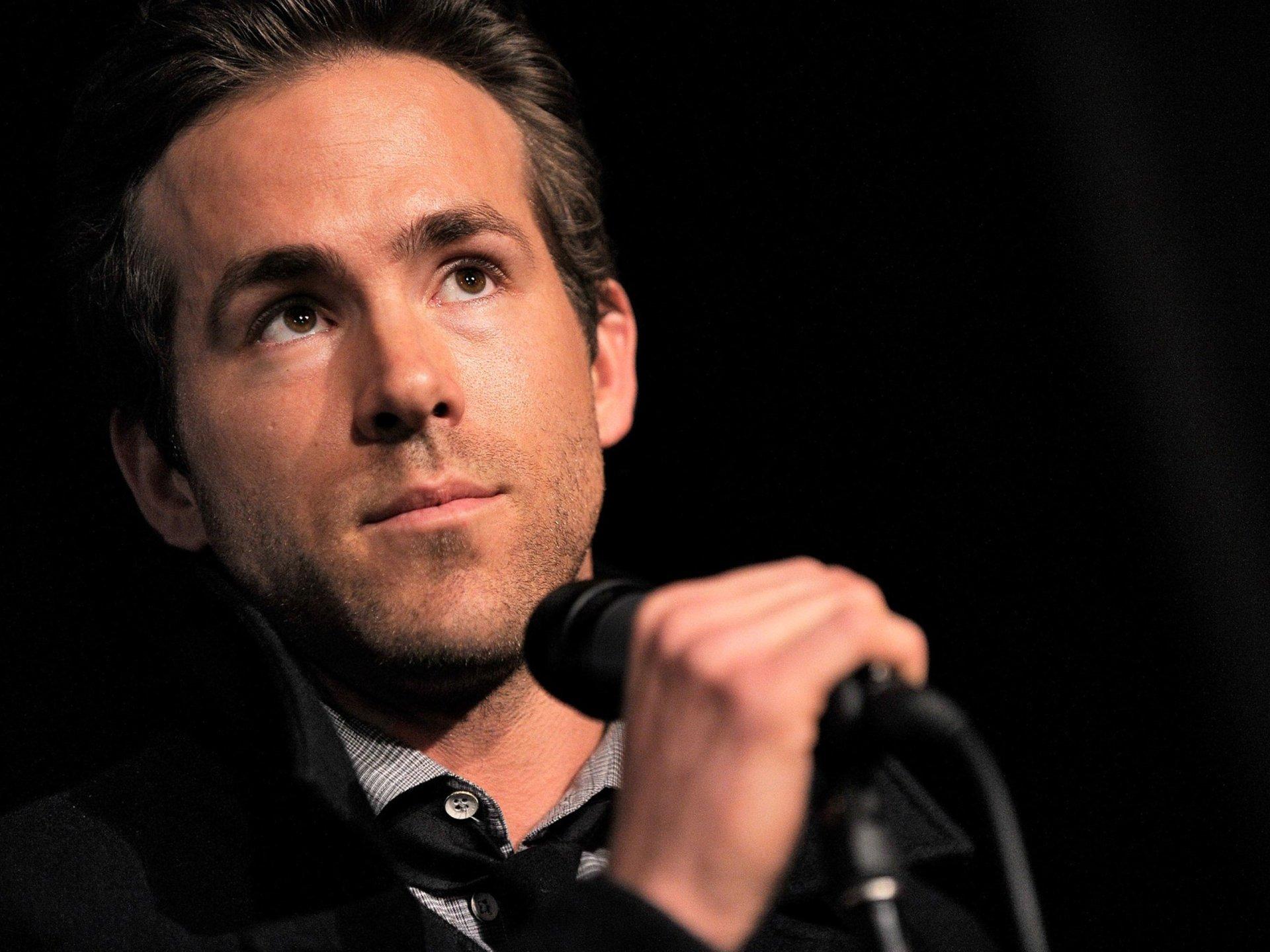 名人 - Ryan Reynolds  壁纸