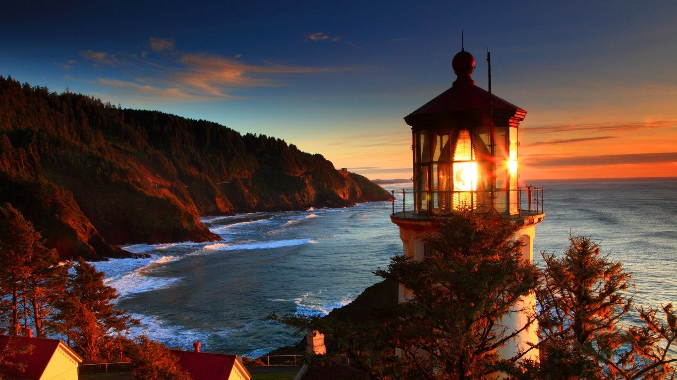 Light the way wallpaper and background image 1366x768 for Paesaggi autunnali per desktop