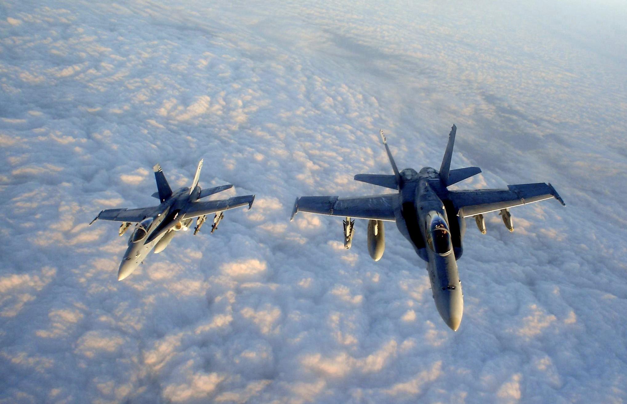 -Douglas F A -18...F 18 Wallpaper