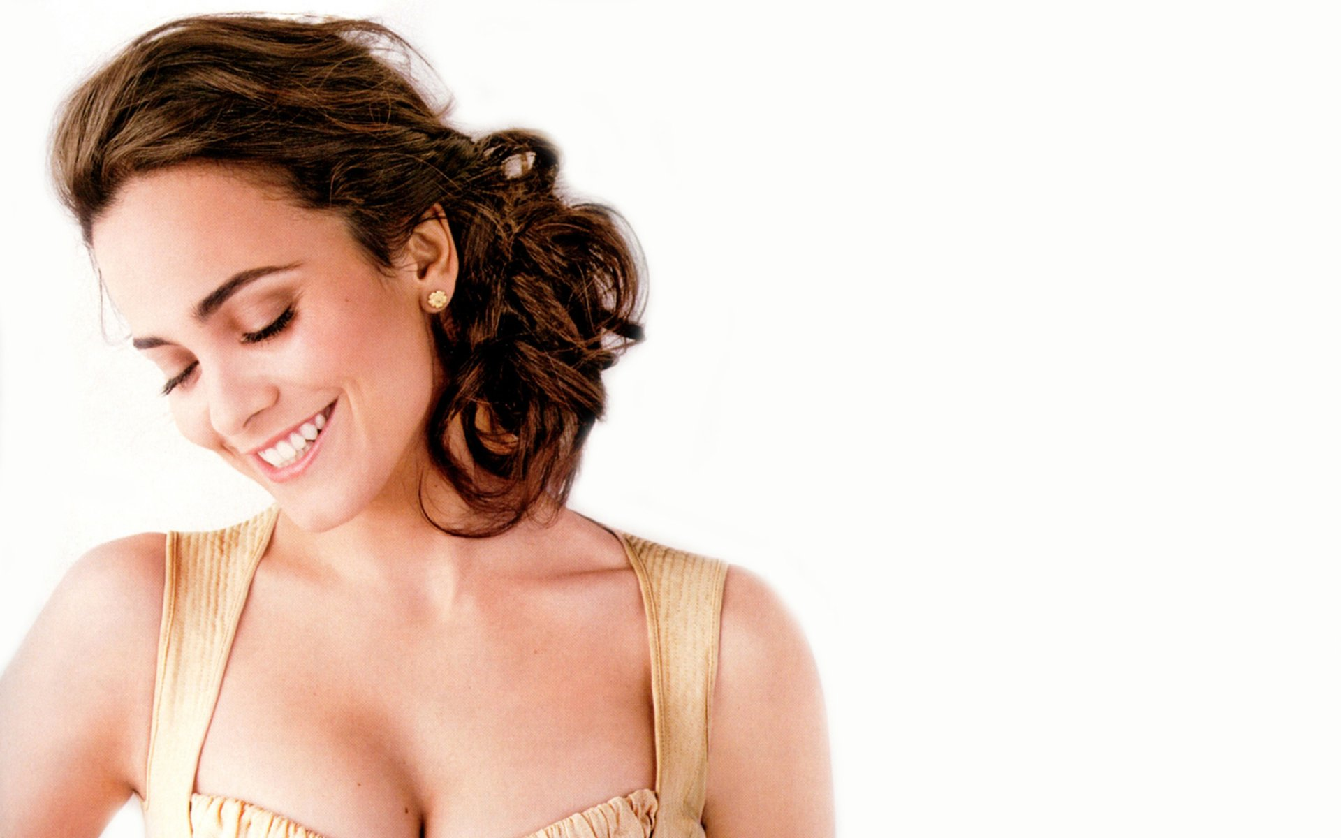 Celebrity - Alice Braga  Actress Brazilian Wallpaper