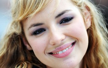 Women - Louise Bourgoin Wallpapers and Backgrounds ID : 487695