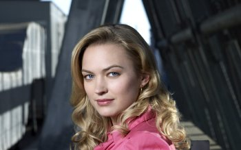 Celebrity - Sophia Myles Wallpapers and Backgrounds ID : 524919