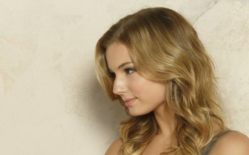 Celebrity - Emily Vancamp Wallpapers and Backgrounds ID : 525563