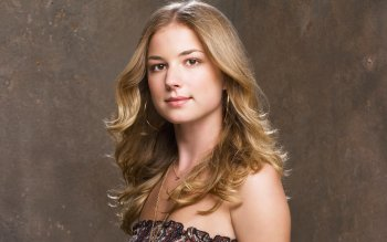 Celebrity - Emily Vancamp Wallpapers and Backgrounds ID : 525570