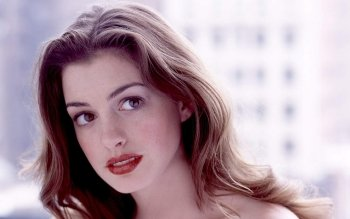 Celebrity - Anne Hathaway Wallpapers and Backgrounds ID : 526137