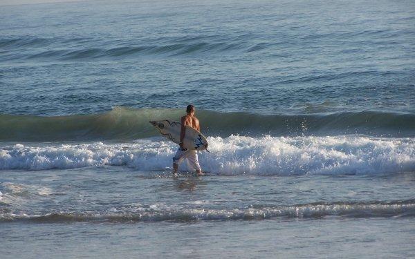 Sports Surfing Surfer Surfboard Ocean Wave Man HD Wallpaper | Background Image