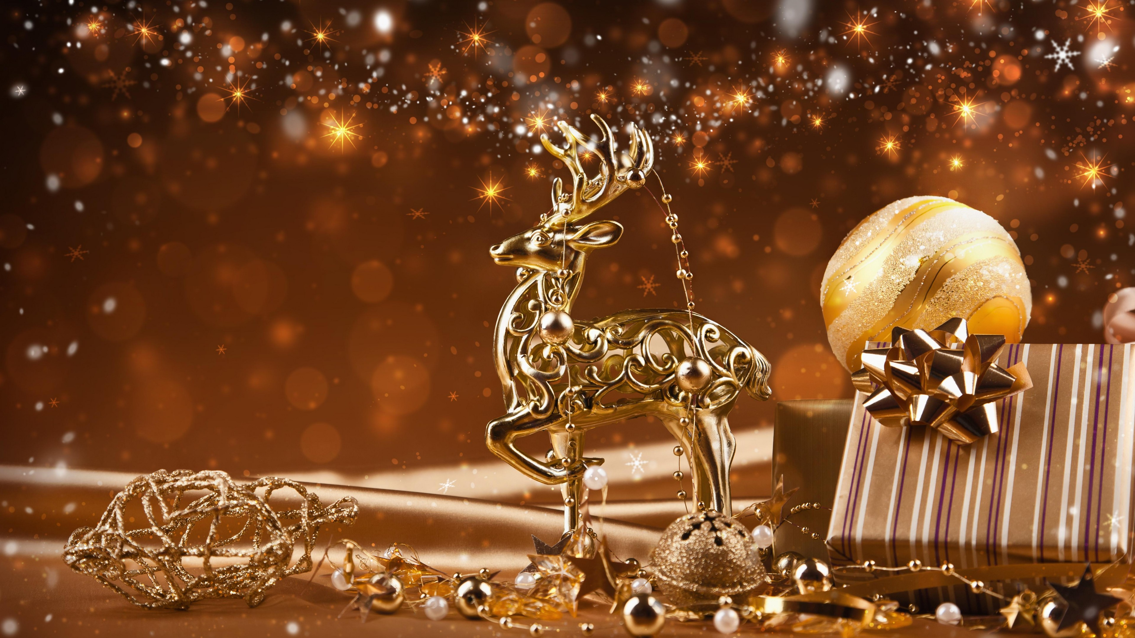Golden Reindeer Christmas Decoration 4k Ultra HD Wallpaper and ...