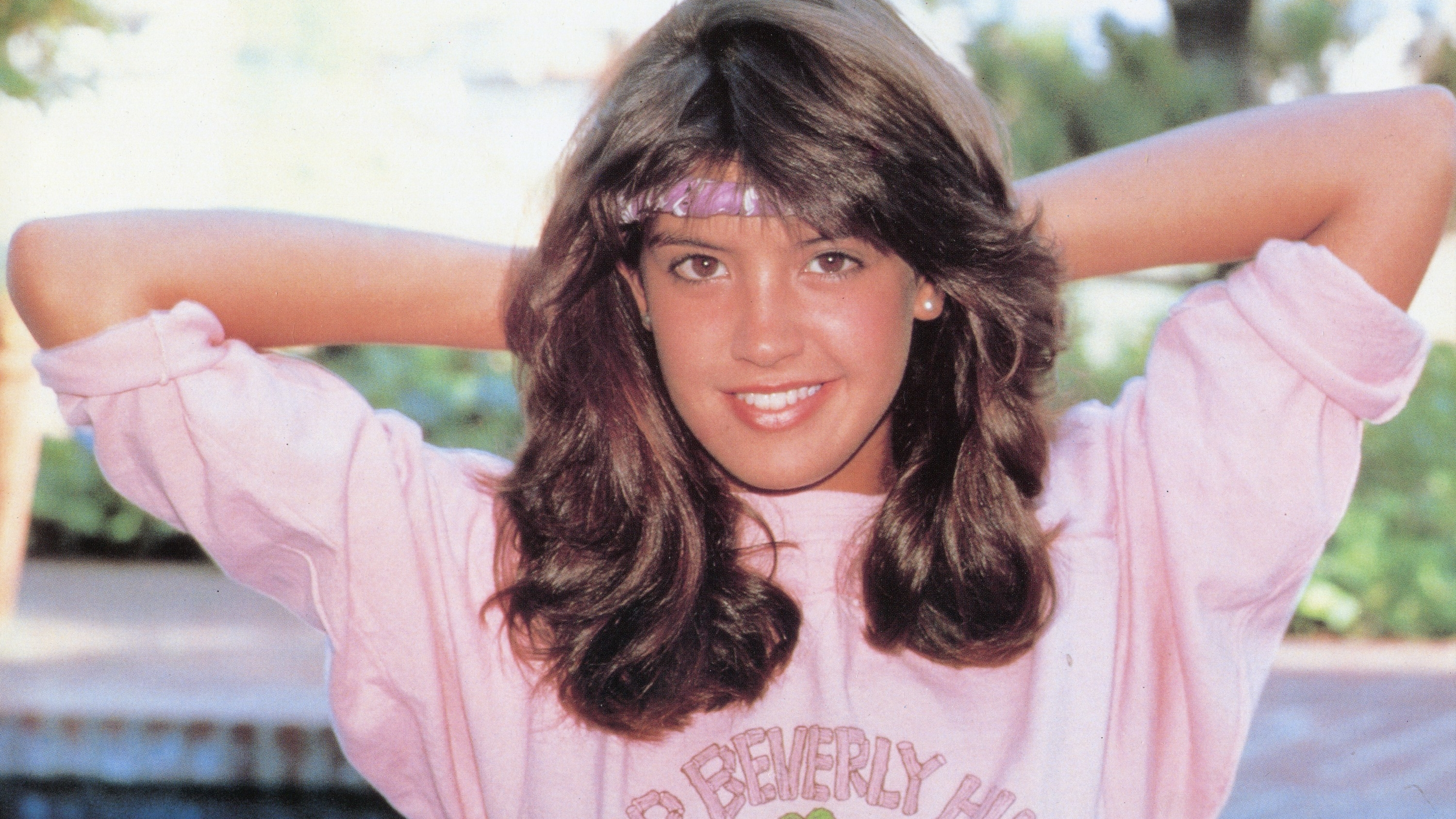 Phoebe Cates Nude Photos 56