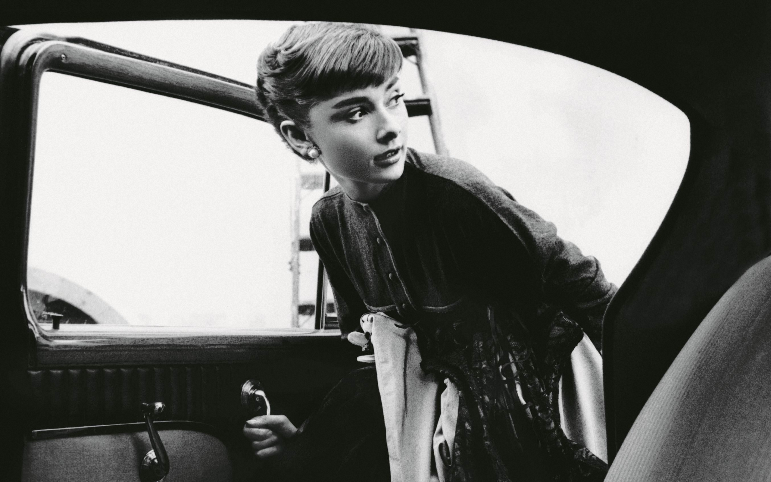 audrey hepburn wallpaper hd
