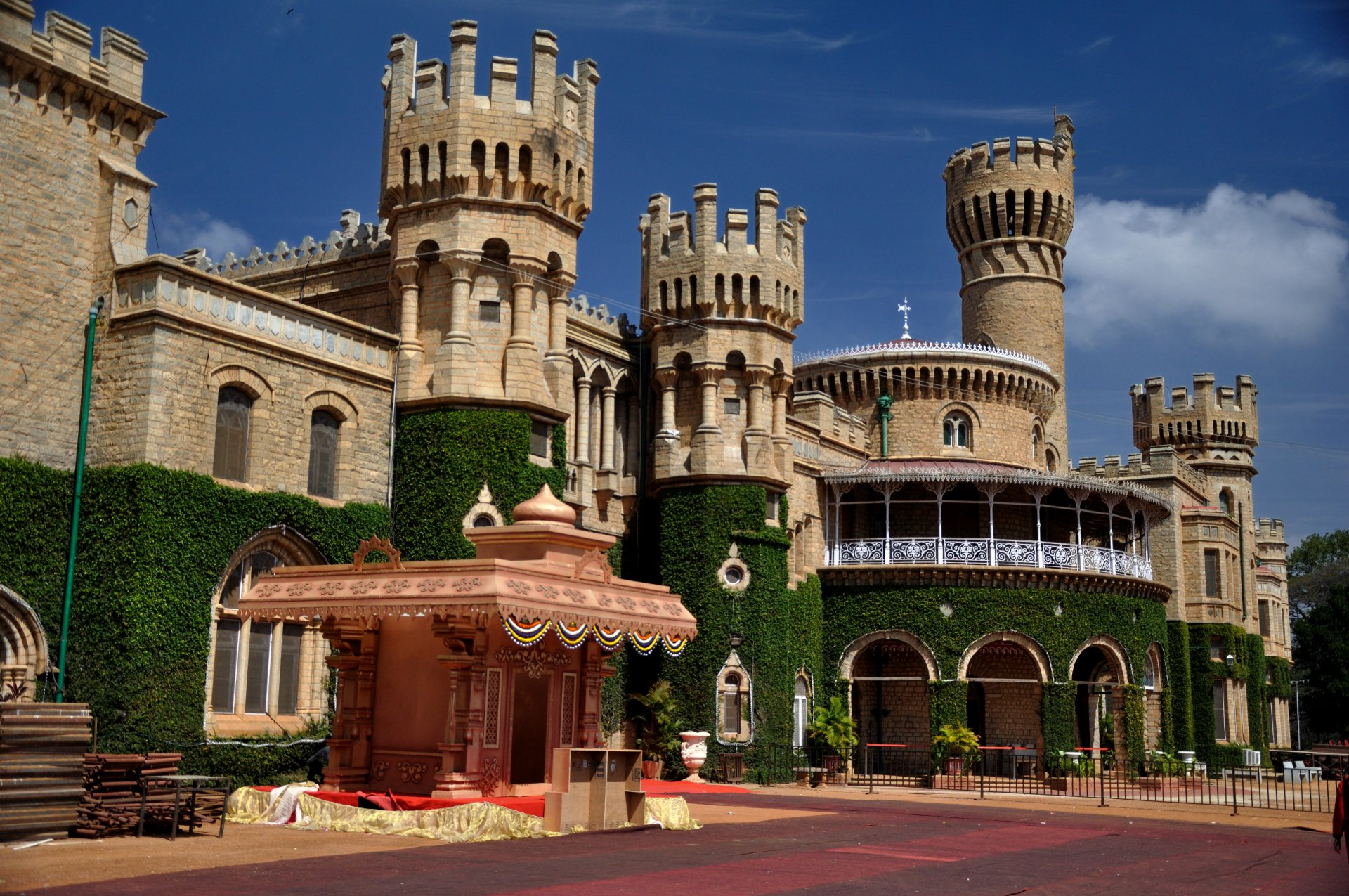 1 Bangalore Palace HD Wallpapers | Background Images - Wallpaper Abyss