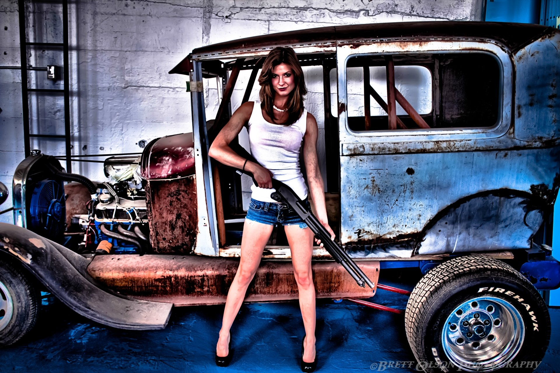 Women - Girls & Guns  Gun Girl Wallpaper
