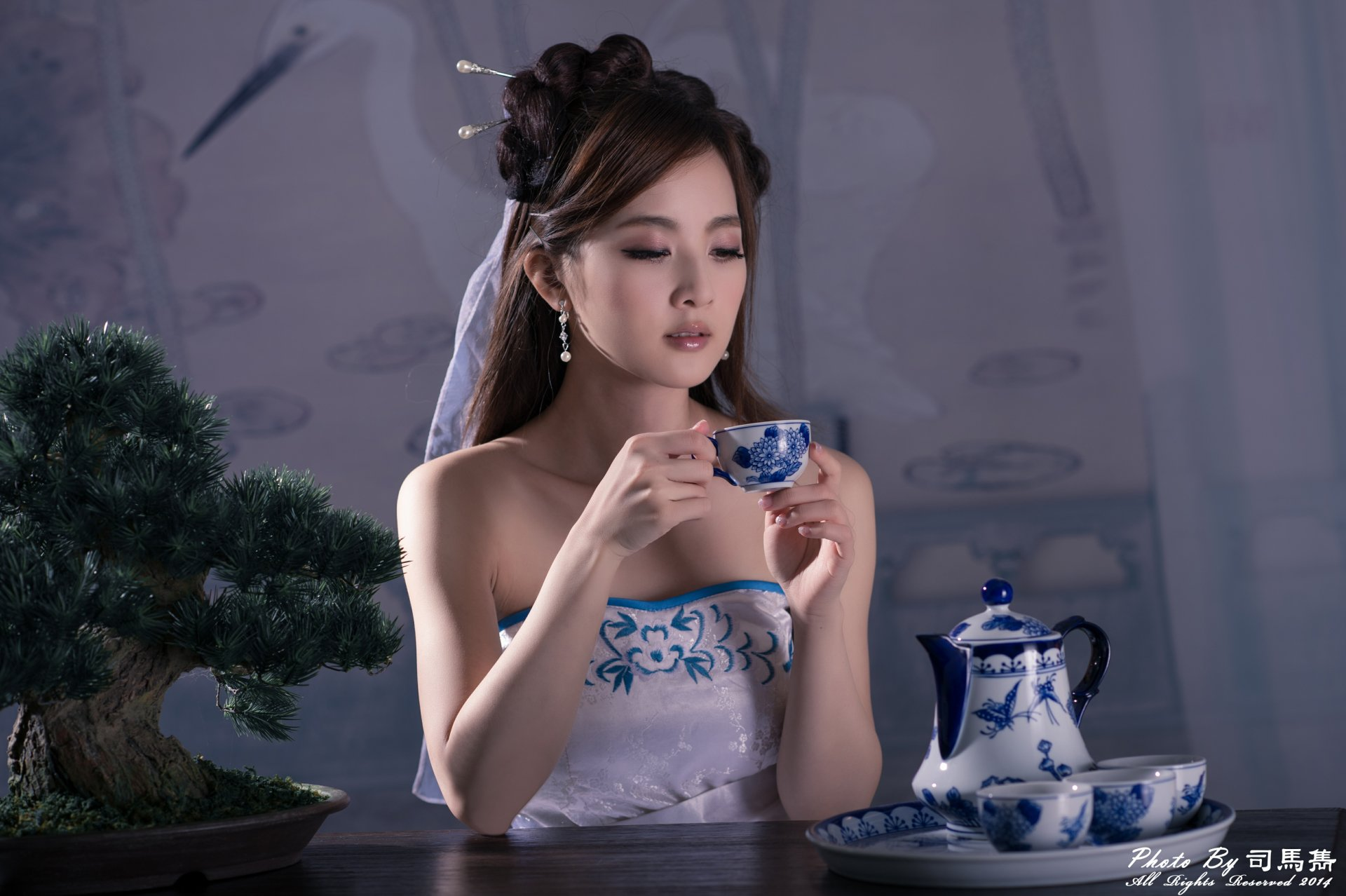 Women - Mikako Zhang Kaijie  Bonsai China Tea Set Cup Dress Hairpin Hair-Dress Chinese Taiwanese Asian Wallpaper