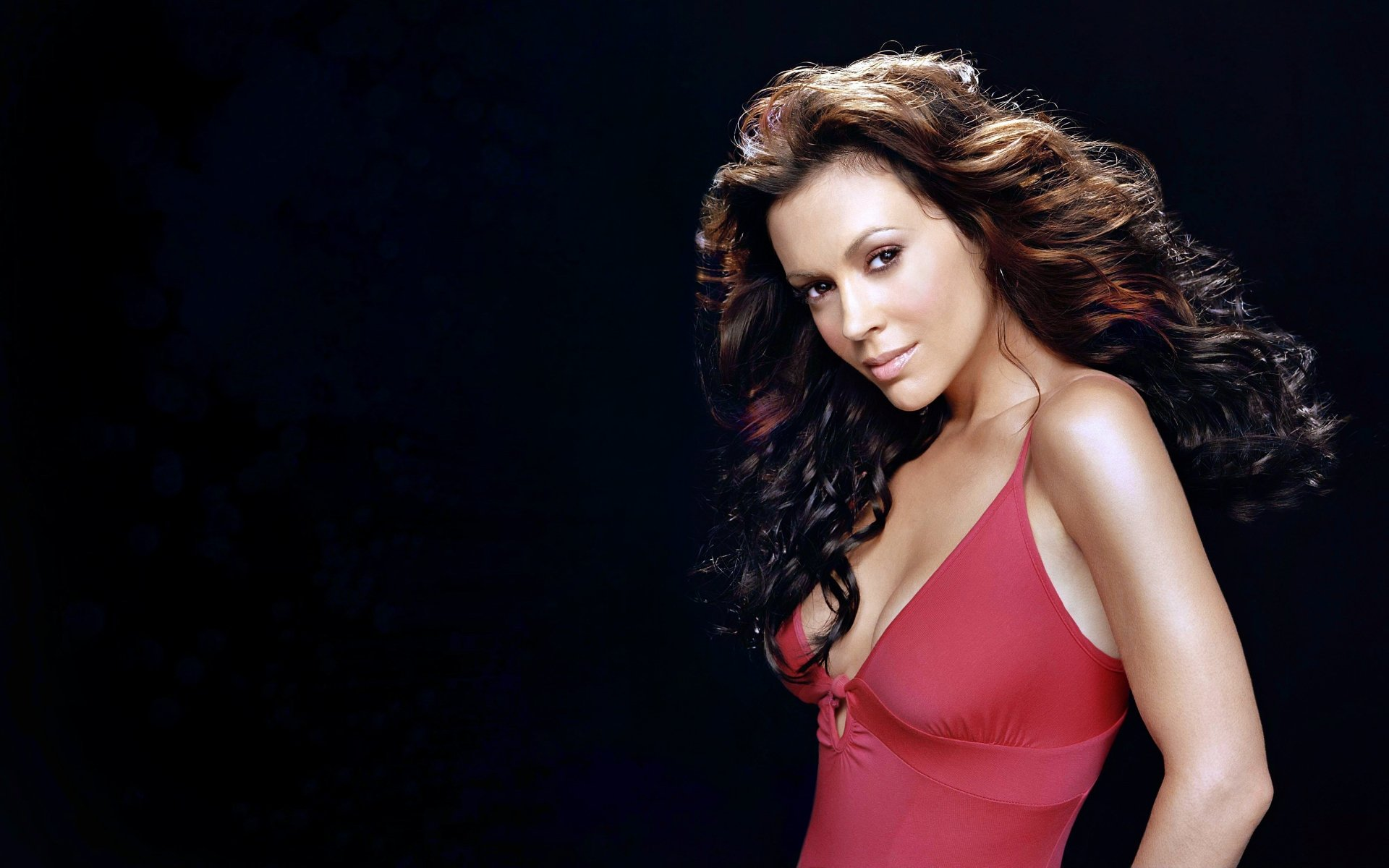 Celebrity - Alyssa Milano  Brown Hair Brunette Wallpaper