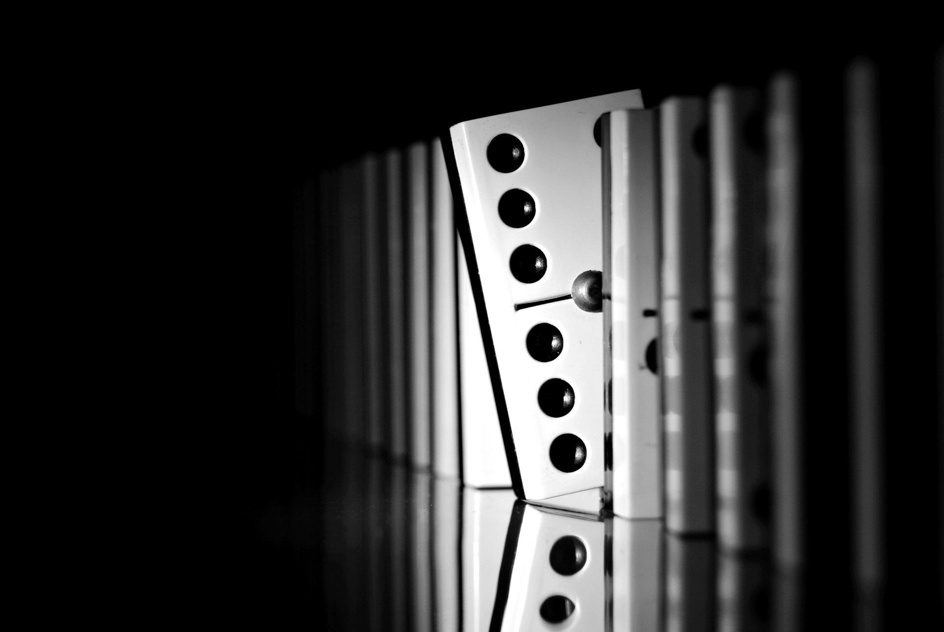 Game - Dominos  Wallpaper