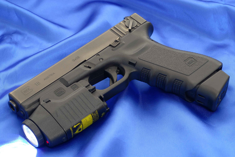 1 Glock 18 Pistol HD Wallpapers