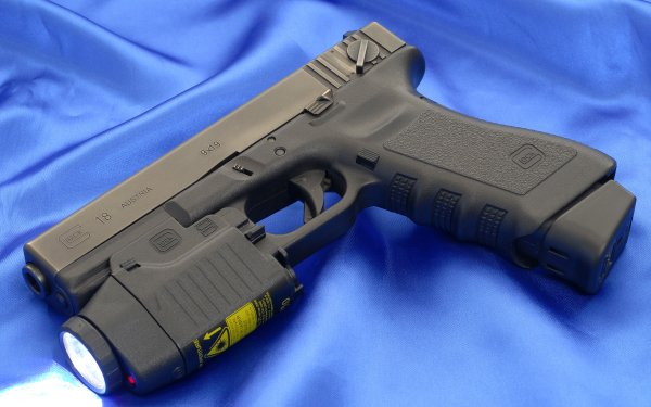Weapons glock 18 Pistol HD Wallpaper | Background Image