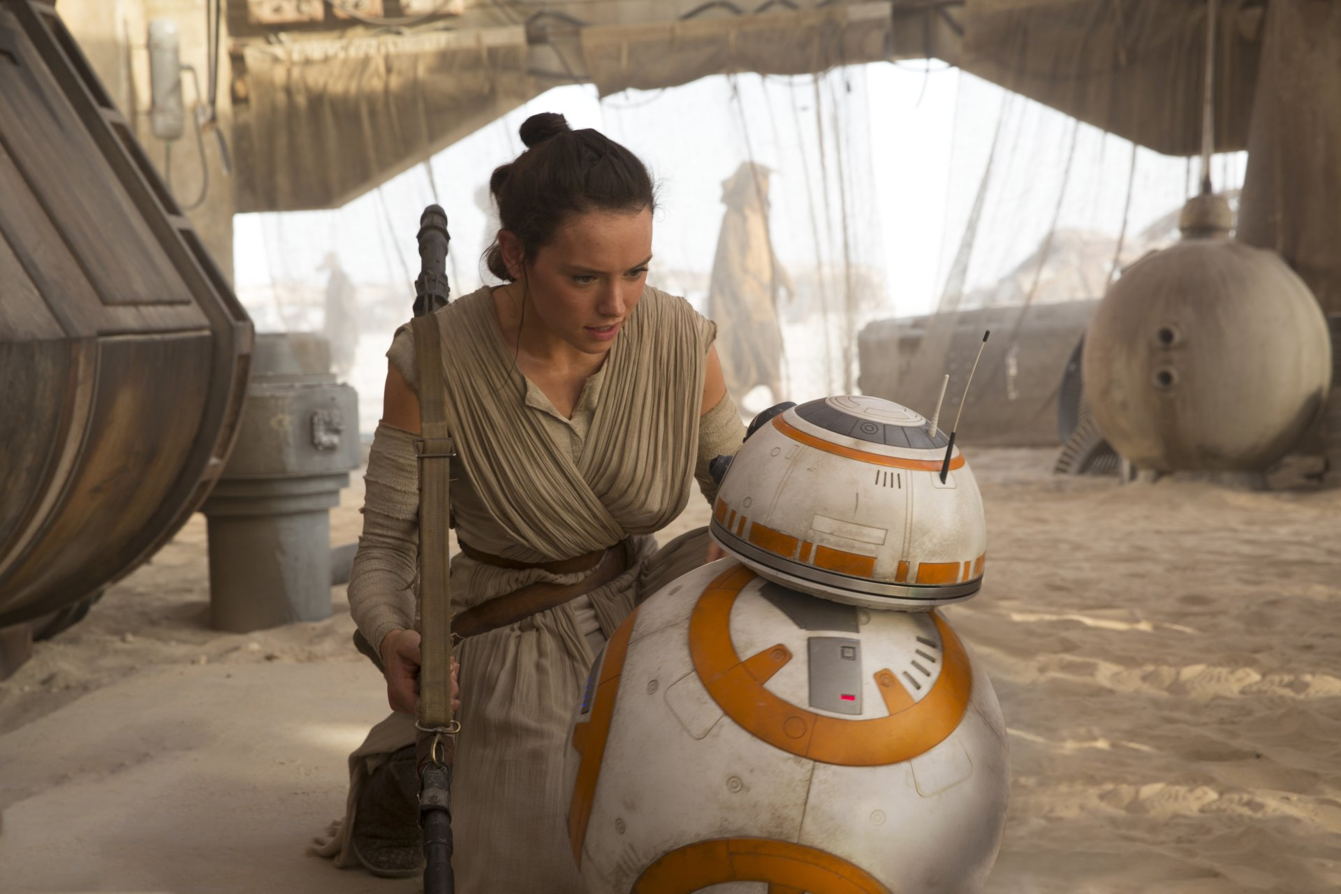 Movie - Star Wars Episode VII: The Force Awakens  Star Wars Rey (Star Wars) Daisy Ridley BB-8 Wallpaper
