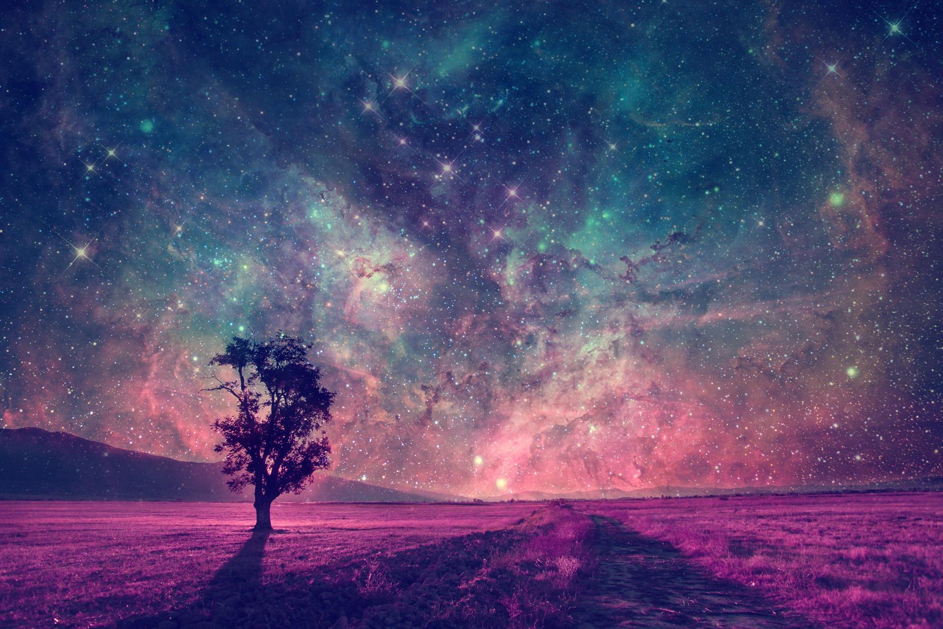Karışık Renkli Bir Gece Manzarası