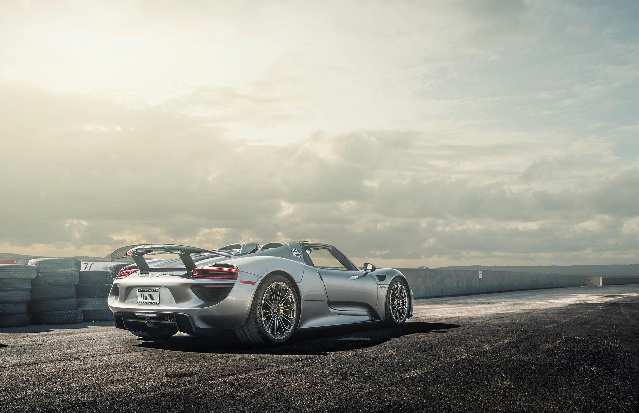 Porsche 918 Spyder Hd Wallpaper Background Image