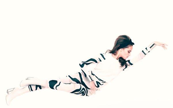 Kändis Alicia Vikander Skådespelerskor Sweden Woman Actress Swedish Brunette Lying Down HD Wallpaper   Background Image