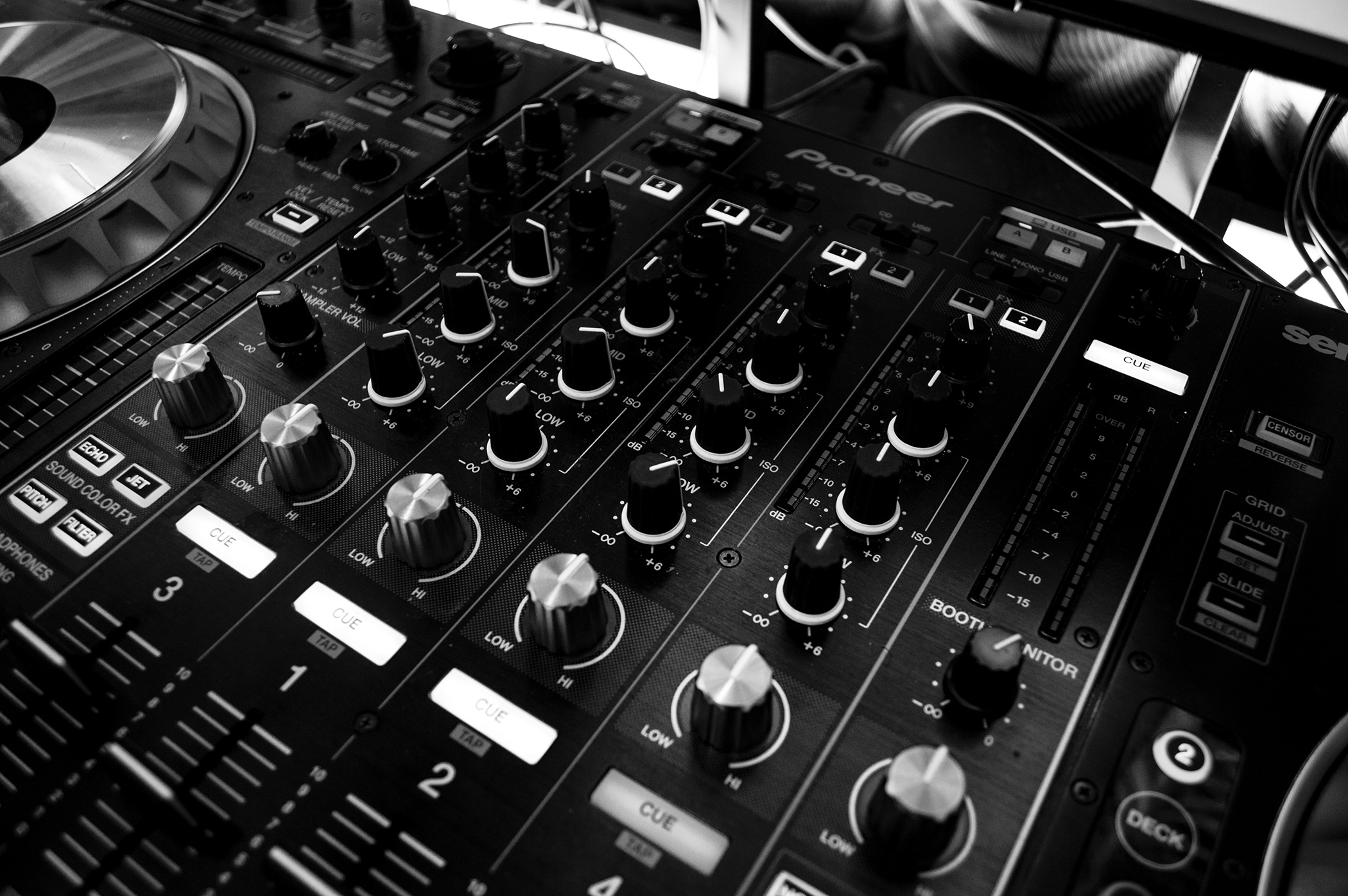 Dj audio mixing panel full hd wallpaper and background for House musik dj