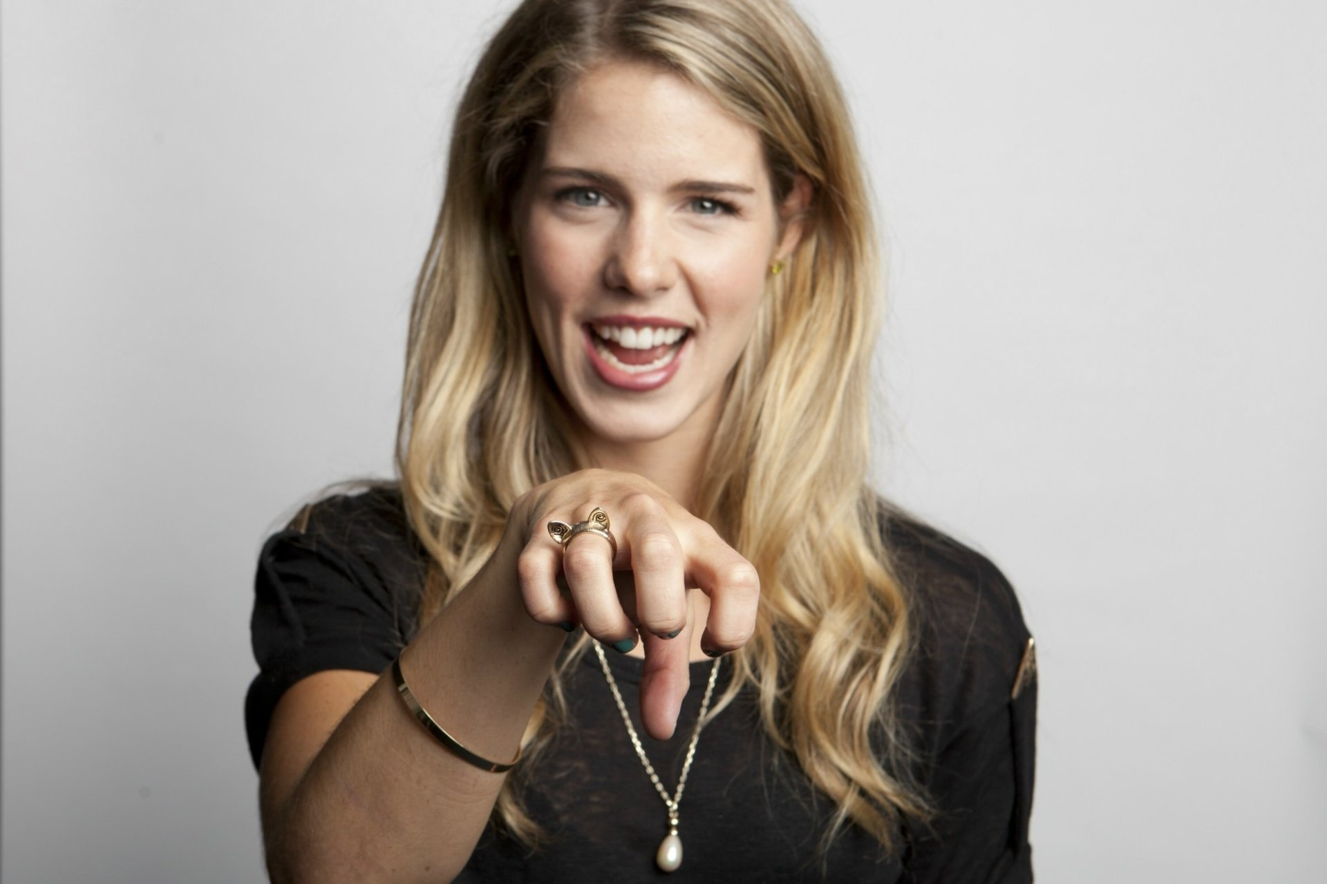Emily bett rickards full hd wallpaper and background image for Bett 400x400