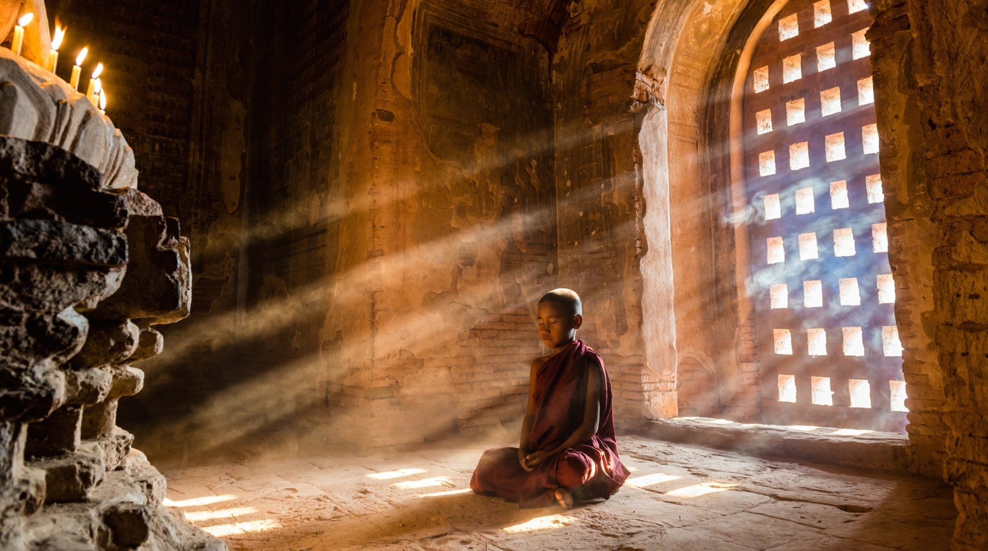 Religious - Monk  Meditation Buddhism Little Boy Sunlight Sunbeam Temple Wallpaper