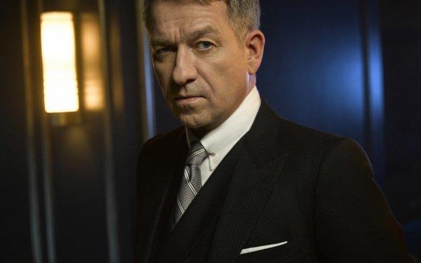 TV Show Gotham Alfred Pennyworth Sean Pertwee HD Wallpaper | Background Image