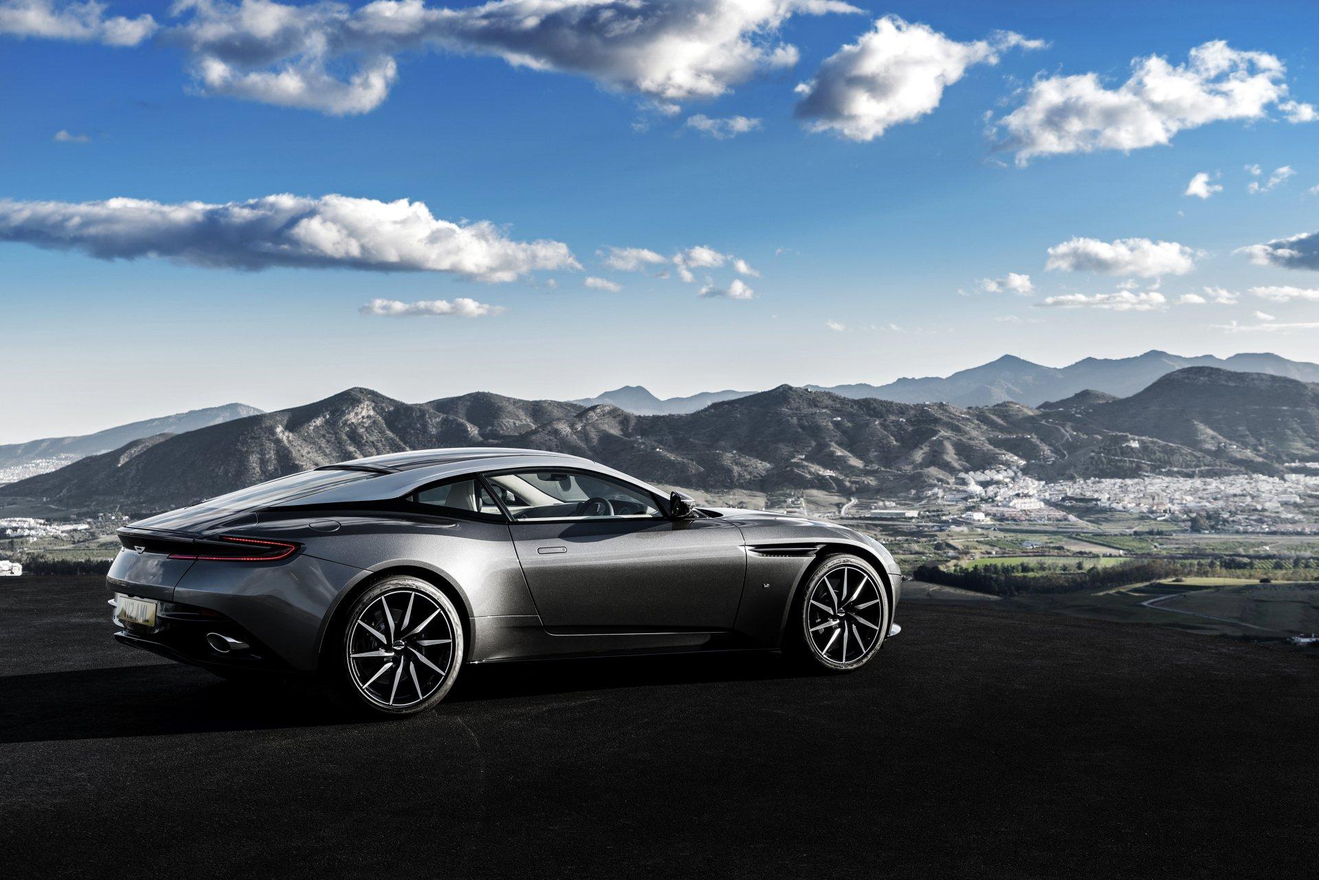 Aston Martin DB11 4k Ultra Fond d'écran HD | Arrière-Plan | 4096x2732 | ID:709656 - Wallpaper Abyss