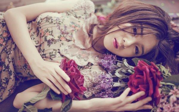 Kvinnor Asian Woman Model Flower Dress Brunette Brown Eyes Lying Down HD Wallpaper | Background Image