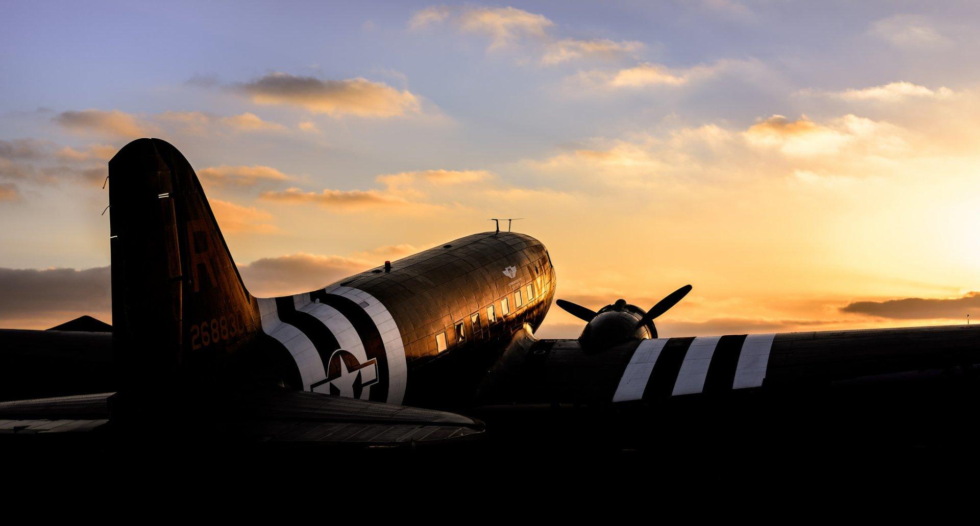 Military - Aircraft  Warplane Douglas C-47 Skytrain Transport Aircraft Wallpaper