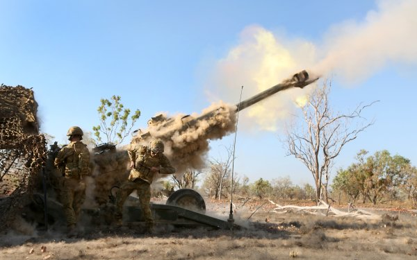 Military M777 howitzer Artillery Soldier HD Wallpaper   Background Image