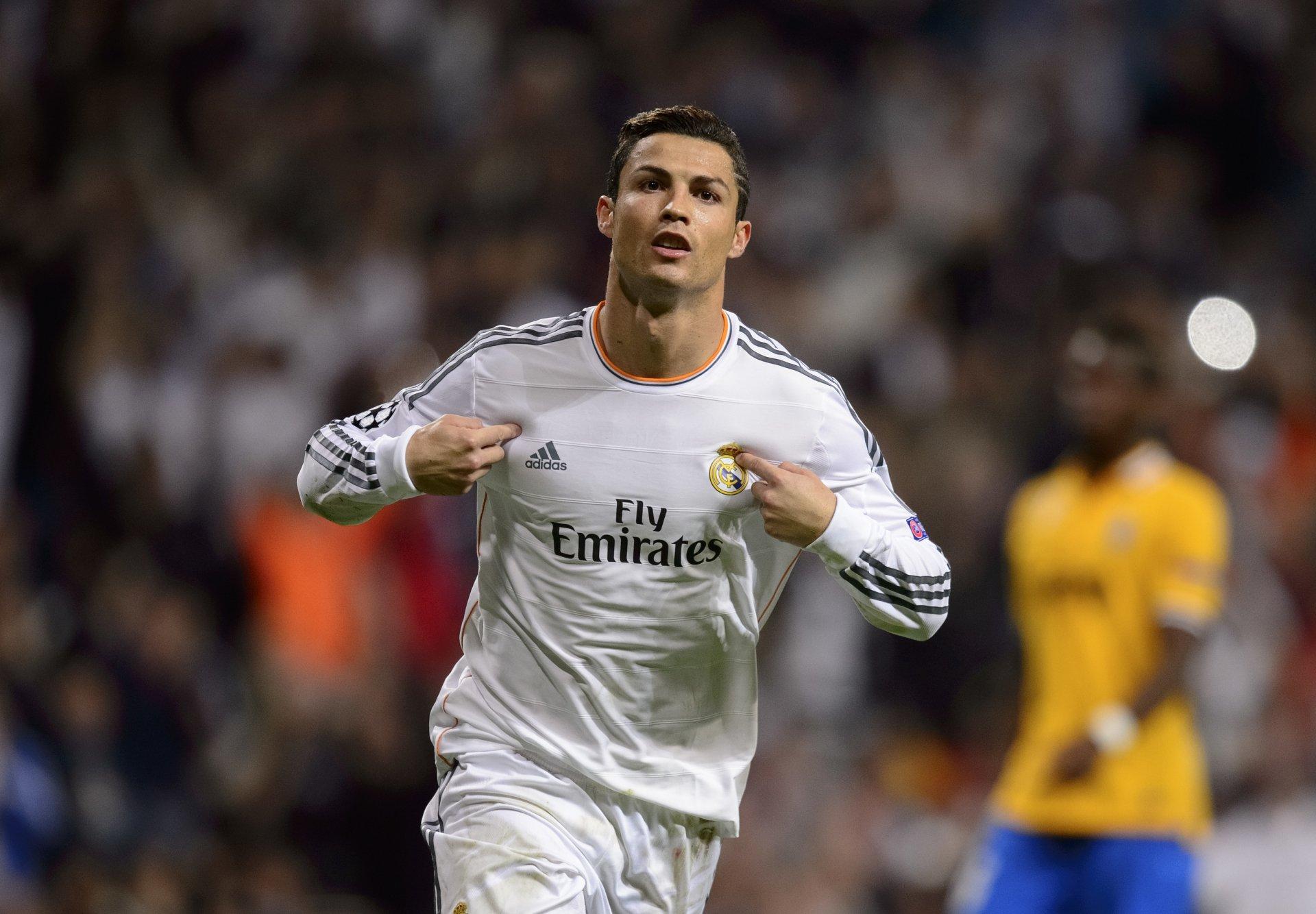Sports - Cristiano Ronaldo  Portuguese Soccer Real Madrid C.F. Wallpaper