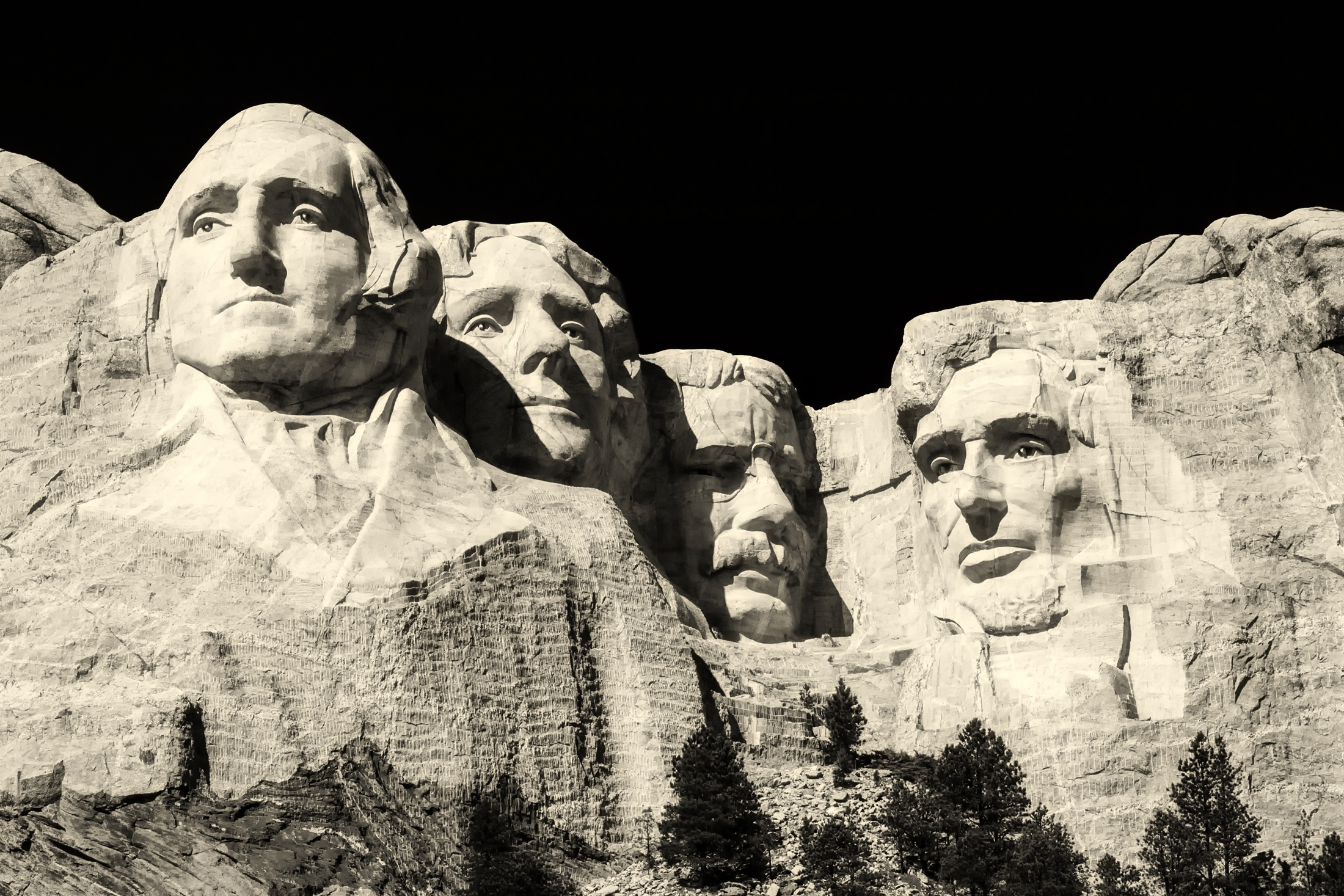Mount rushmore national memorial in the black hills of